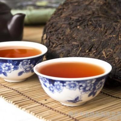 云南乔木七子普洱茶饼茶