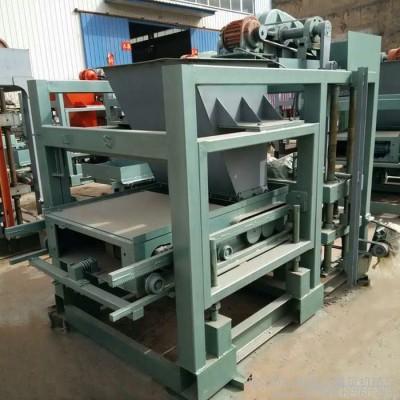 鑫达QTJ4-25全自动免烧砖机模具一机多用  大中小型免烧标砖砖机图片  空心水泥制砖机生产现场